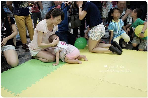 寶寶爬行比賽初體驗 (18).JPG