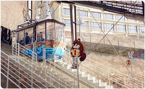搭天上山纜車遠眺富士山 (34).JPG