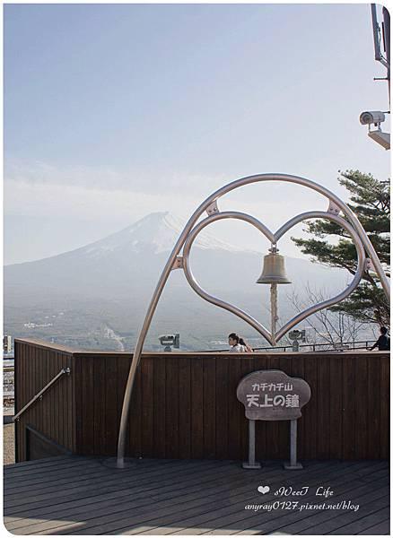 搭天上山纜車遠眺富士山 (14).JPG