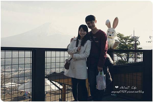 搭天上山纜車遠眺富士山 (16).JPG