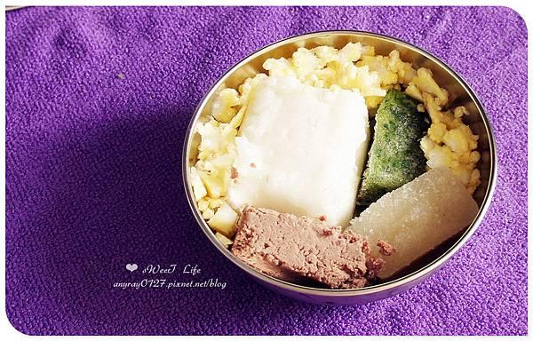 玉米筍+牛肉+洋蔥+青江菜.JPG