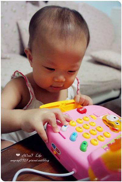 玩具-蘋果造型收銀機 (24).JPG