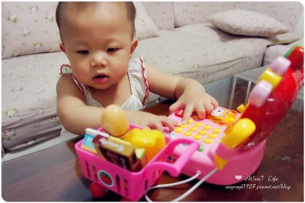 玩具-蘋果造型收銀機 (28).JPG
