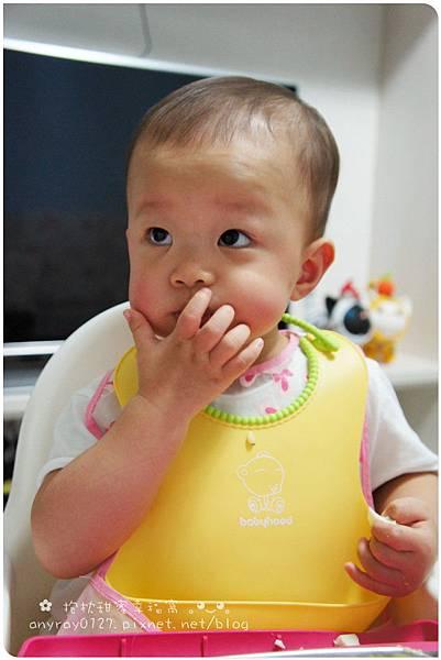 晴晴1Y4M(病毐疹day2) (1).JPG