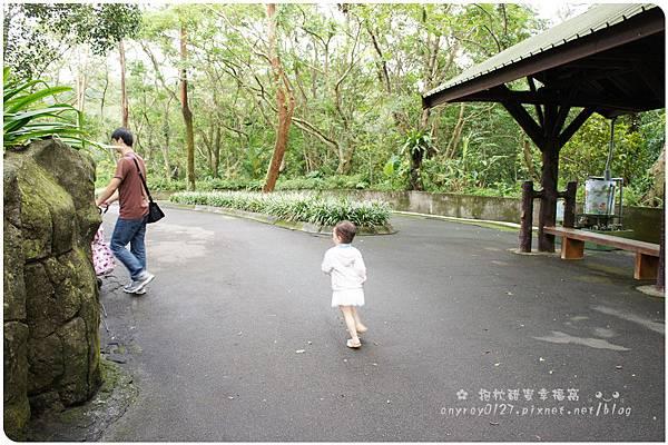 晴晴初遊木柵動物園 (2).JPG