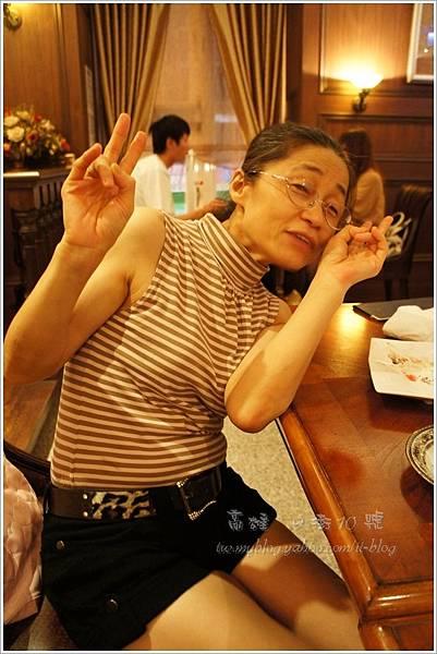抱枕媽媽-高雄。9街10號法式餐廳.JPG