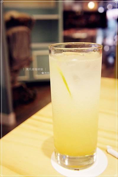 高雄-莫凡彼咖啡館 (16).JPG