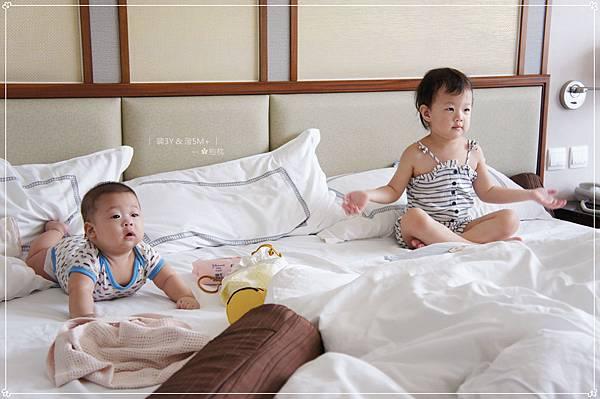 抱枕甜蜜幸福窩 (9).JPG