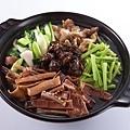 魷魚螺肉蒜鍋.