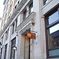 02_Campus-Entrance