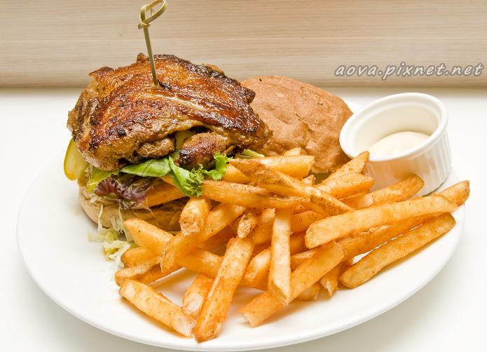 雞腿排漢堡.jpg