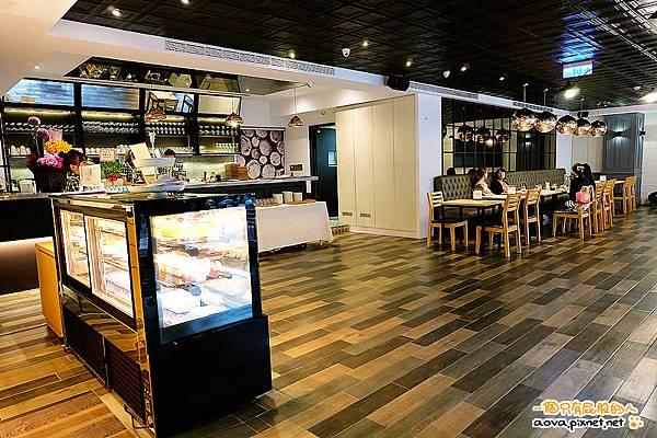 雅蒙蒂Amandier Cafe 01.jpg