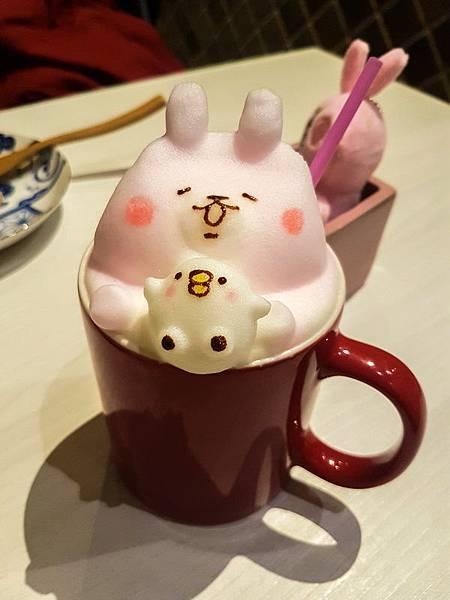 桃園中壢 理性&感性 卡娜赫拉立體奶泡拉花16.jpg