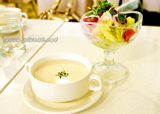 濃湯與沙拉.jpg