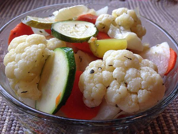 墨西哥式醃漬蔬菜  Mexican-Style Pickled Vegetables.jpg