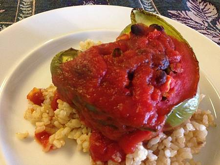 黑豆玉米鑲甜椒 Black Bean Corn and Brown Rice Stuffed Peppers.jpg