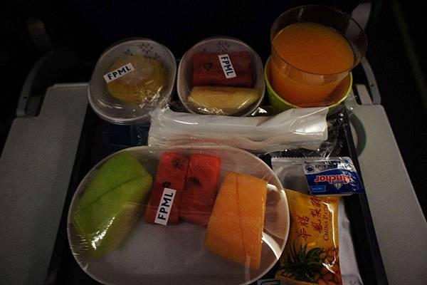 1215-LUCY的水果餐.jpg