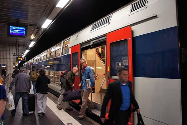 DSC00241-是雙層列車