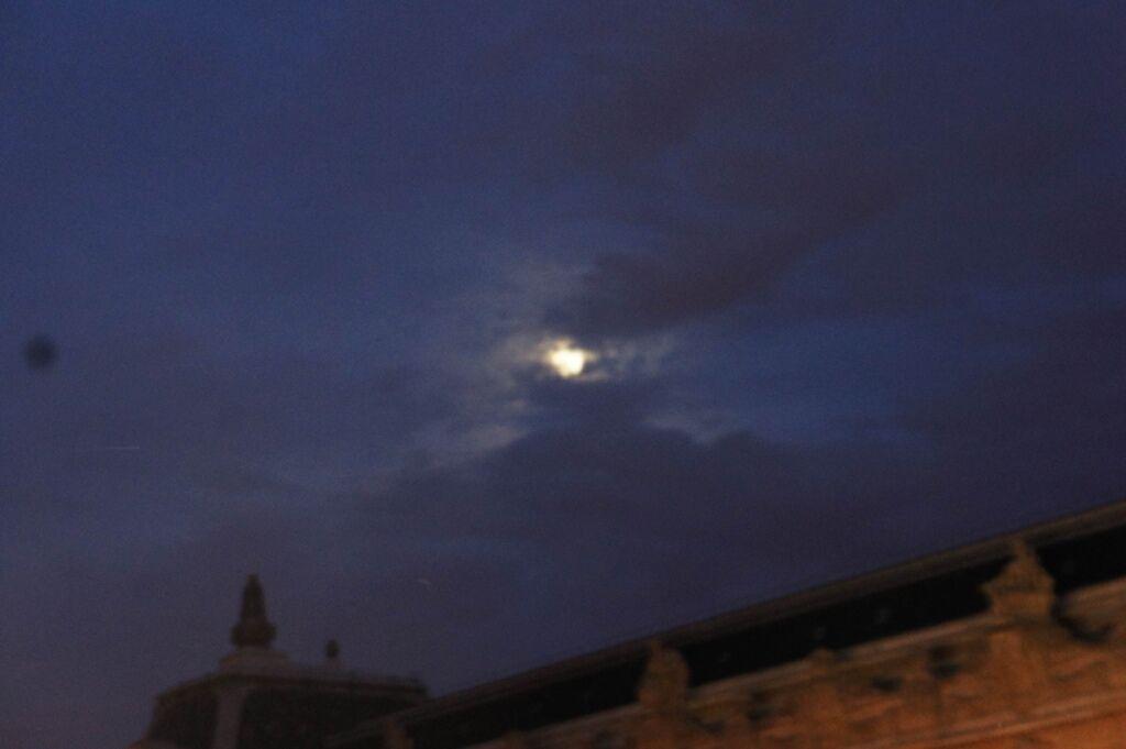 DSC00583微微透光的月亮