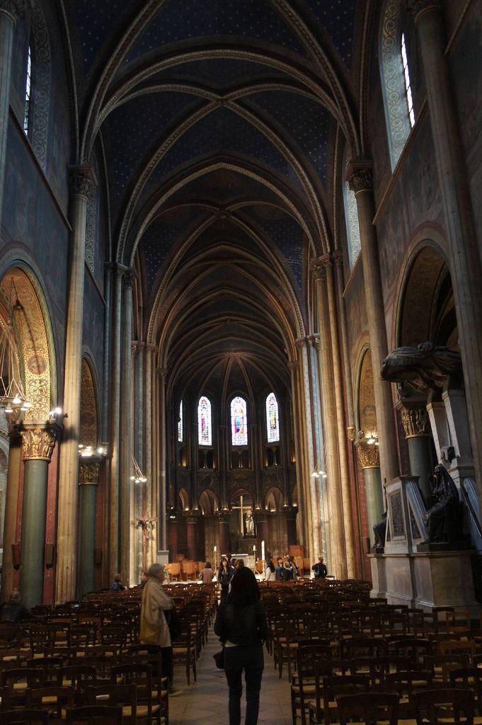 DSC00835--巴黎最古老的羅馬式教堂