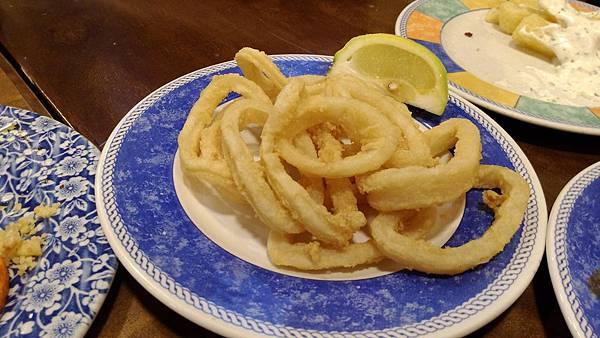 052-炸魷魚,吃起來軟軟的,不像台灣的Q感啊!