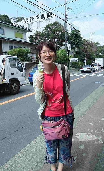 0164-來到長谷,一定要來一支薯吉的紫芋抹茶綜合霜淇淋啦.JPG