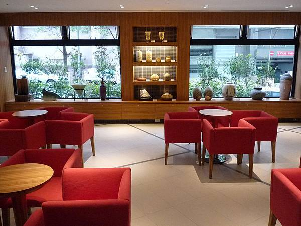 Lounge01.JPG