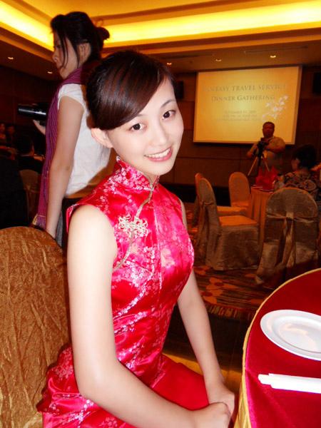 我是紅吱吱旗袍月