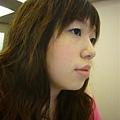 剪髮前3月底黃燈下