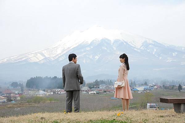 【這一生,至少當一次傻瓜】菅野美穗(右)和阿部貞夫(左)結婚前的約會