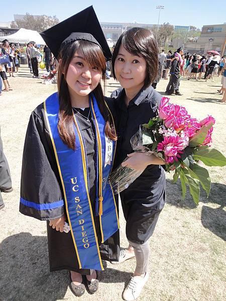 王月赴美參加女兒妹子畢業典禮