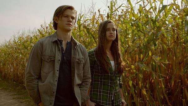 《狼人鎮》盧卡斯提爾與女主角有精彩刺激的親熱場面
