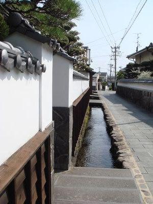 錦鋰湧水街-乾淨的街道.jpg