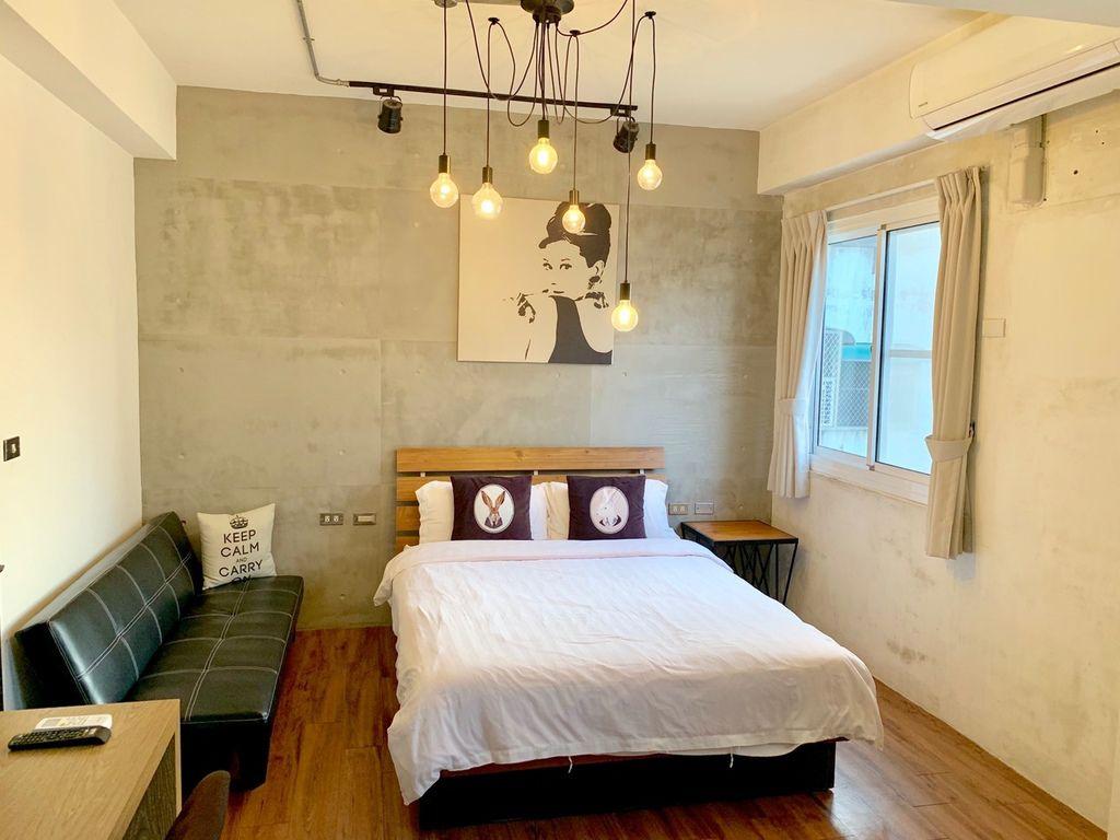 【台南北區】慕特公寓 Mutter Apartment│一秒住紐約【融合著現代簡約時尚與老紐約的文化產物】後現代工業峰民宿,讓你在台灣也可漫遊紐約的愜意情懷~