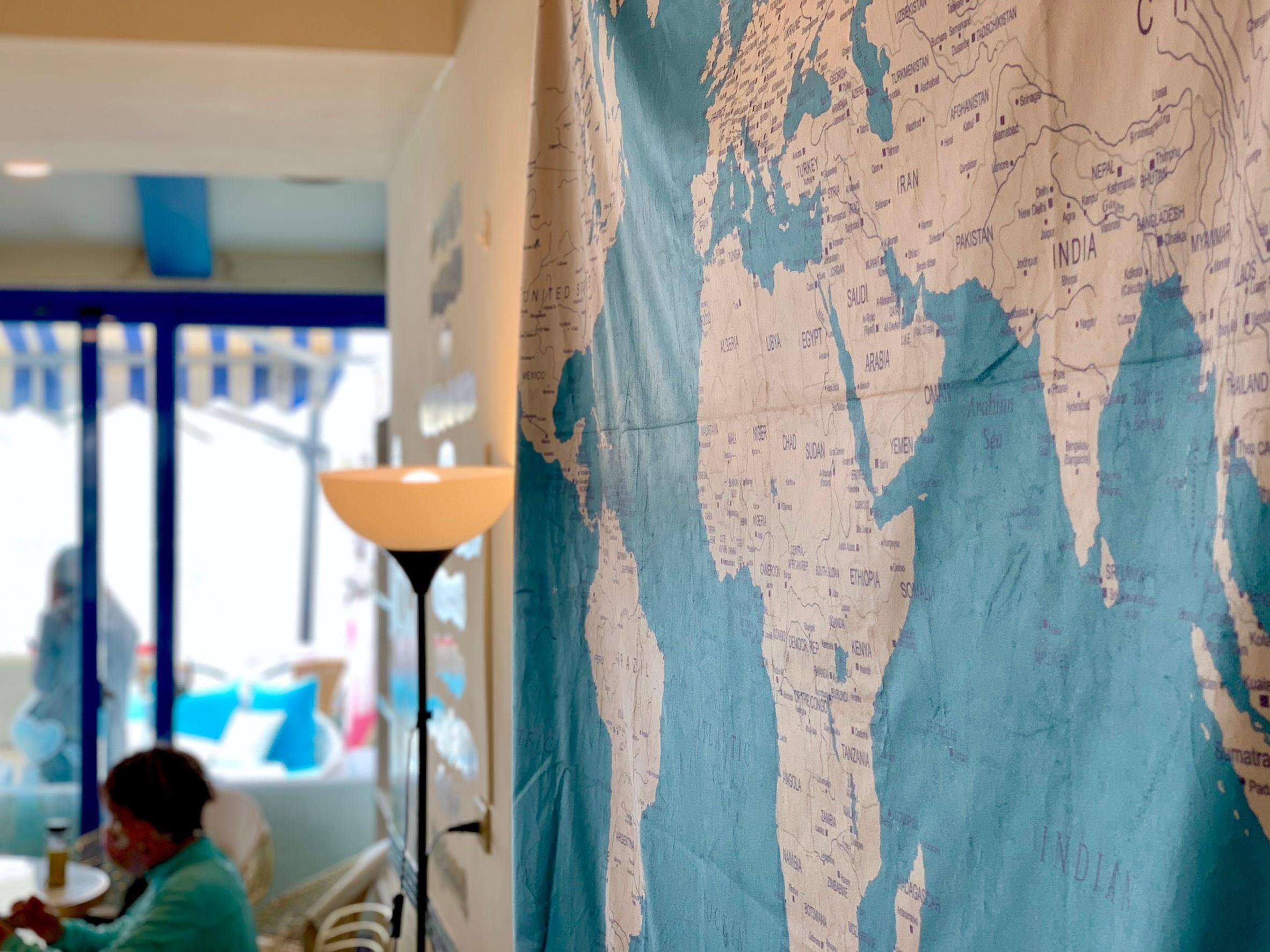 【新北三芝】夢想地圖Café海景會館│出版業跨界打造的無敵海景夢想館,賣一個美好生活願景的想像【北海岸的藏書館,猶如一本心靈雞湯】滿是正能量,彷彿置身地中海般愜意