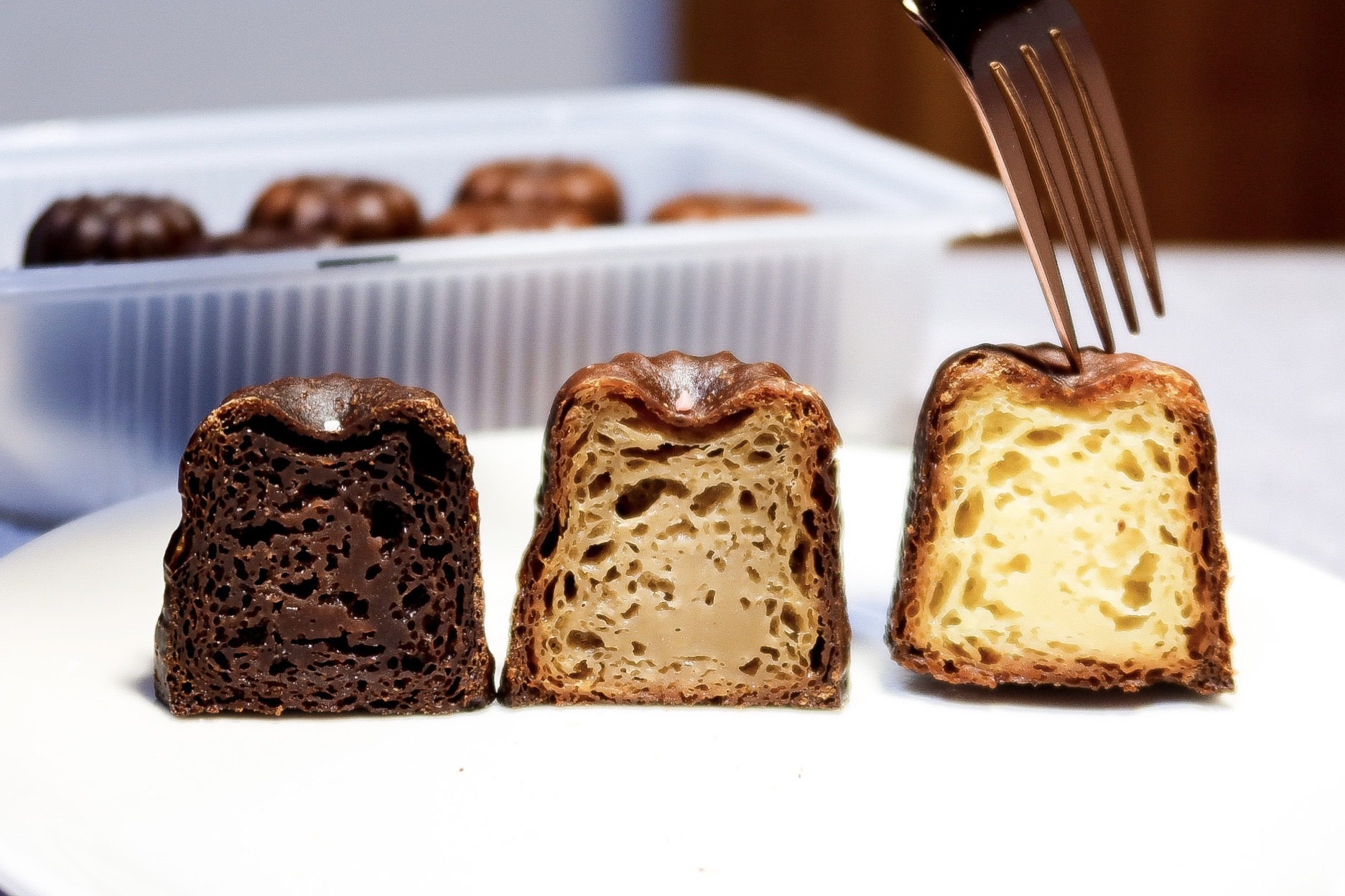 第二顆鈕釦│經典法式甜點可麗露【源於南法的浪漫美味】頂級原料費工淬鍊,口感充滿層次的天使之鈴,越冰越好吃!