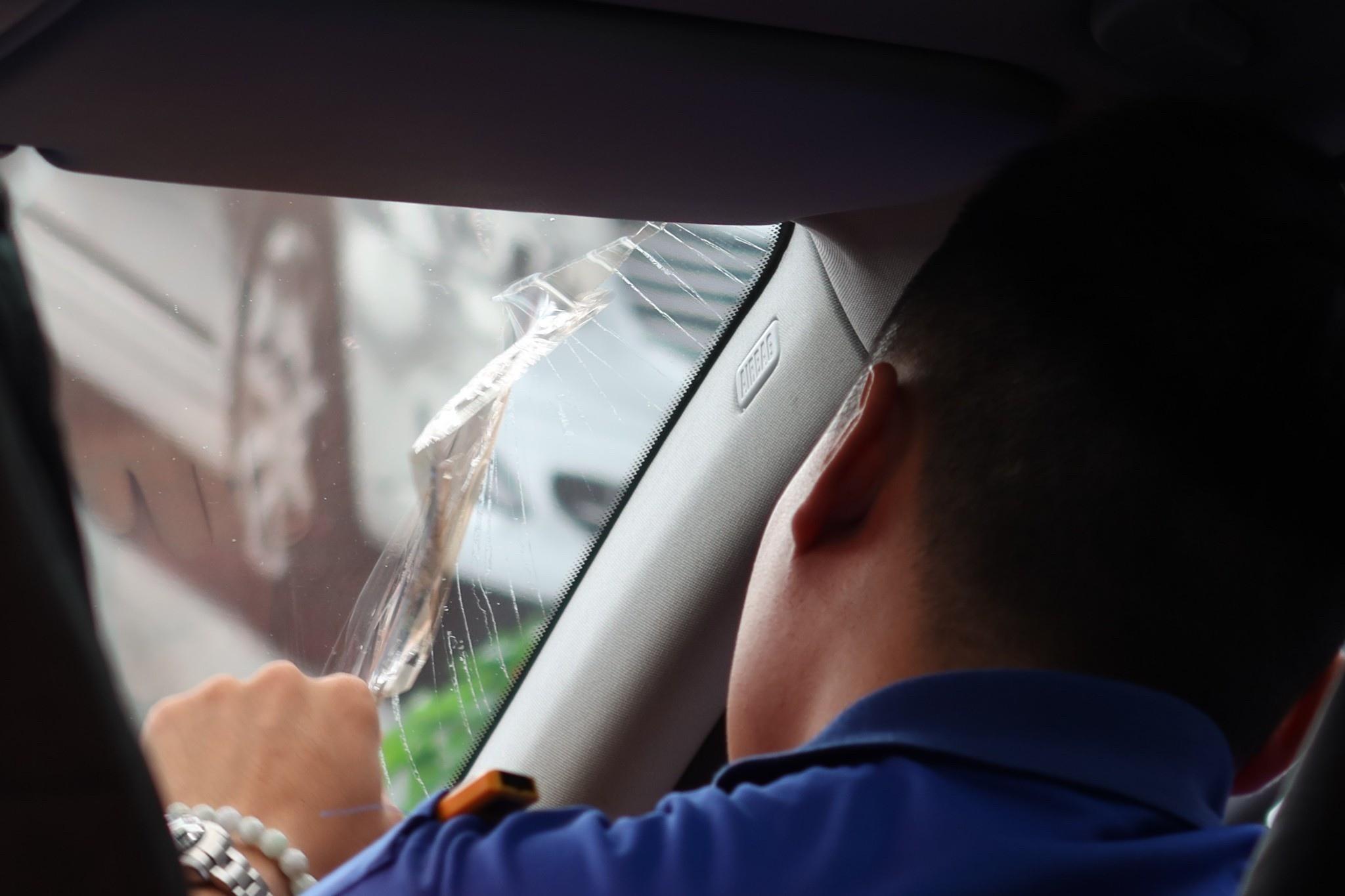 【台北內湖】聖唯汽車隔熱紙│15年以上經驗團隊【各大品牌隔熱紙專業施工,車窗無縫滿版】公開透明價格實惠,台北貼隔熱紙首選│舒熱佳汽車隔熱紙│內湖汽車隔熱