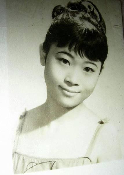 16歲剛進劇團的第一張劇照