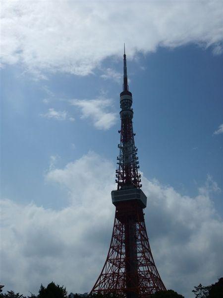 背光的東京鐵塔.jpg