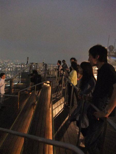 頂樓的人們.jpg