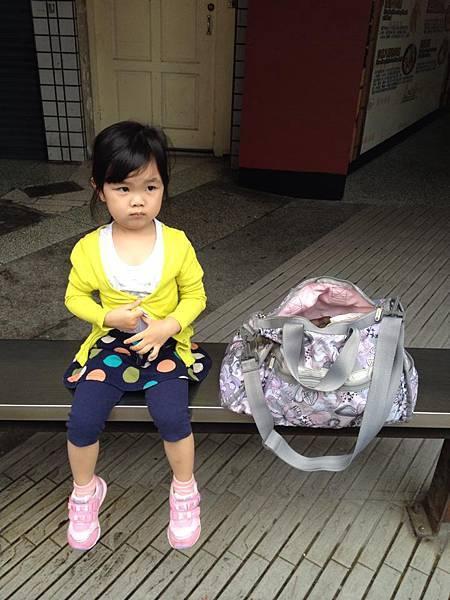 2014-05-04石牌站等公車