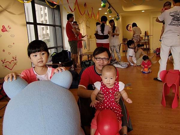 2014-07-05【9m10d】晴晴第一次參加蛇寶聚會