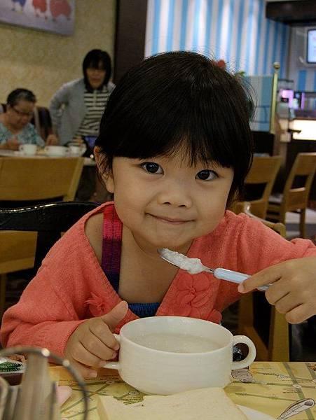 2014-09-15。隔天早上到餐廳吃美味早餐