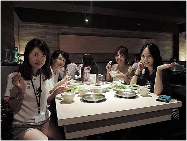 2015-09月NCAB~~9/27跟丸子總裁還有大家一起吃火鍋過中秋節