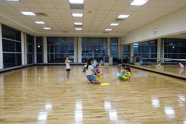 2016-05-06第一堂的芭蕾舞課~初學