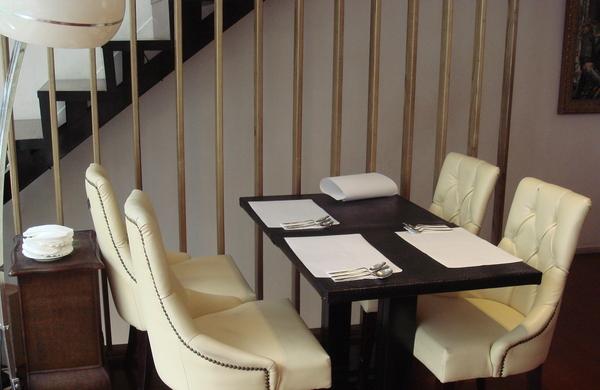 二樓餐桌擺設