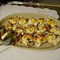 DAY1-21-晚餐BUFFET 超好吃的磨菇焗洋芋 這是還完整的