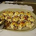 DAY1-22-晚餐BUFFET 超好吃的磨菇焗洋芋 一下就被搶光