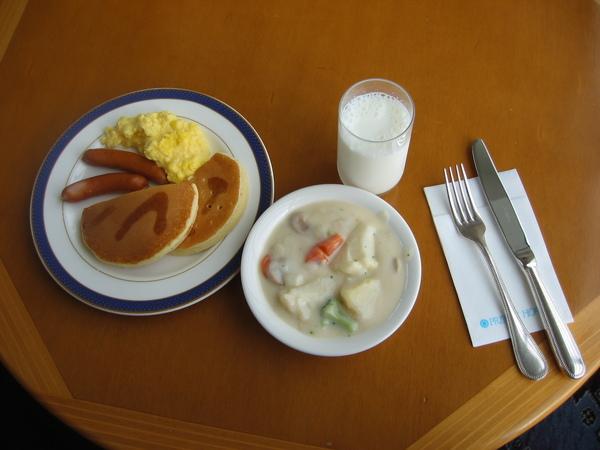 DAY2-001-北廣島王子飯店早餐西式.jpg