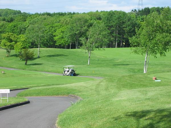 DAY2-020-飯店後方的高爾夫球場.jpg